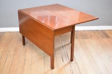 A 19TH CENTURY GEORGIAN STYLE CEDAR DROPSIDE TABLE