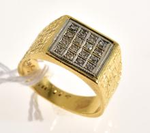 A GENTS DIAMOND DRESS RING IN 18CT YELLOW GOLD