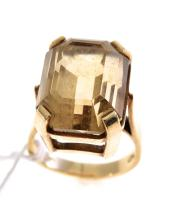 A CITRINE COCKTAIL RING