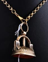 A WAX SEAL PENDANT IN 9CT GOLD