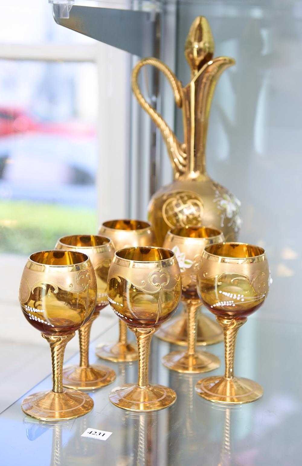 A SET OF LAGUNA MURANO GLASSES TOGETHER WITH DECANTER H.39CM, LEONARD JOEL LOCAL DELIVERY SIZE: MEDIUM
