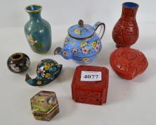 A COLLECTION OF MINIATURE ASIAN ITEMS, INCL. CLOISONNE & CINNABAR STYLE