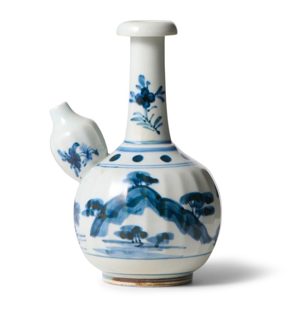 A JAPANESE BLUE AND WHITE KO-IMARI ARITA KENDI EDO PERIOD (1603-1867), 17TH CENTURY