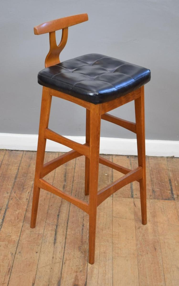 a t 39 h brown 39 leather bar stool. Black Bedroom Furniture Sets. Home Design Ideas