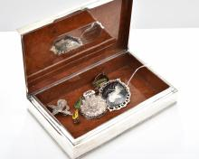 A COLLECTION OF SIAM JEWELLERY AND A JEWELLERY BOX.