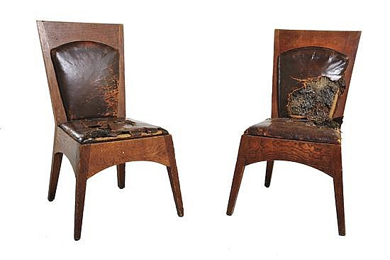 WALTER BURLEY GRIFFIN (1876-1937)A PAIR OF NEWMAN COLLEGE DINING CHAIRS, 1916