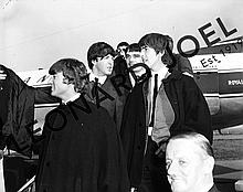 THE BEATLES DISEMBARKING AT ADELAIDE AIRPORT