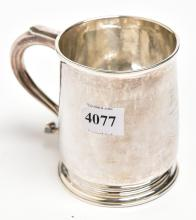 A STERLING SILVER CHRISTENING CUP, POLISHED FORM WITH INITIALS, 9 CM HIGH