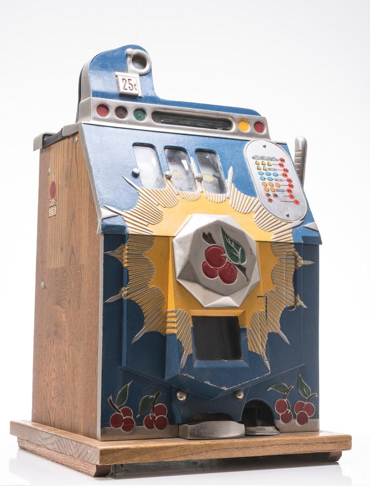 A Vintage Mills Novelty Co 25 Cent Slot Machine Made In Ch