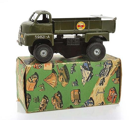 TRIANG MINIC M 106 6-TON TIPPER LORRY, ARMY GREEN, WITH AERIAL, IN ILLUSTRATED BOX (E BOX G)