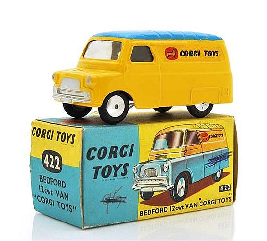 CORGI 422 BEDFORD 12CWT VAN, YELLOW WITH BLUE ROOF, ONE TOUCH UP (VG-E BOX G)
