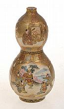 JAPANESE SATSUMA HEAVILY GILDED DOUBLE GOURDED VASE WITH DECORATIVE PANELS AND SAMURAI SCENES, SIGNED TO BASE, CHIP TO RIM, 9CM HIGH