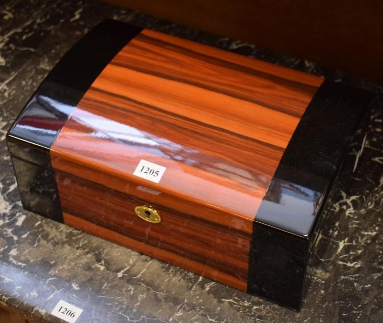 A WALNUT VENEERED JEWELLERY BOX