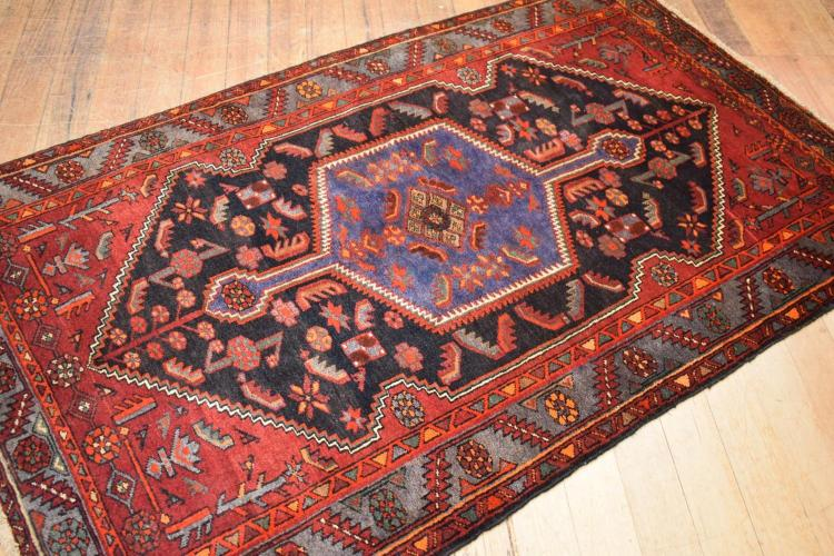 A PERSIAN TRIBAL TAROOM RUG - VERY UNUSUAL GEOMETRICAL MOTIFS, ORIGIN IRAN (215 X 128 CM) RRP $1950