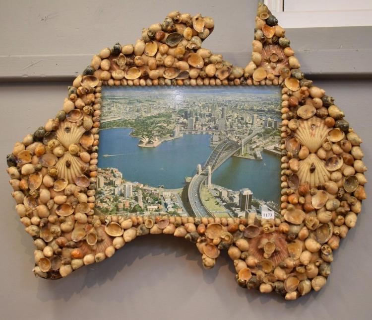 A KITSCH AUSTRALIAN SHELL SOUVENIER
