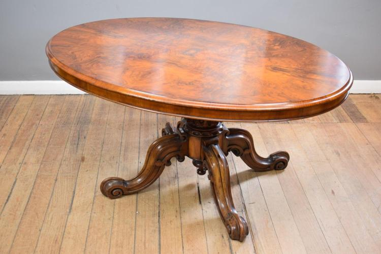 A VICTORIAN BURR WALNUT LOO TABLE (70cm h x 150cm w 100cm l)