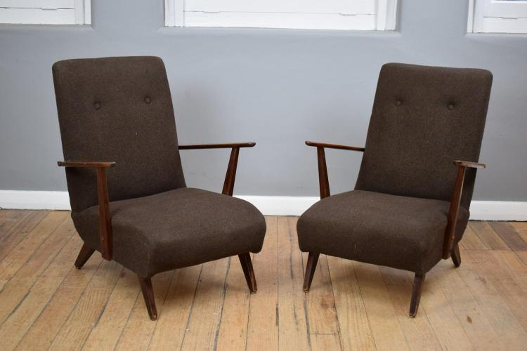 A PAIR OF MID-CENTURY ARMCHAIRS