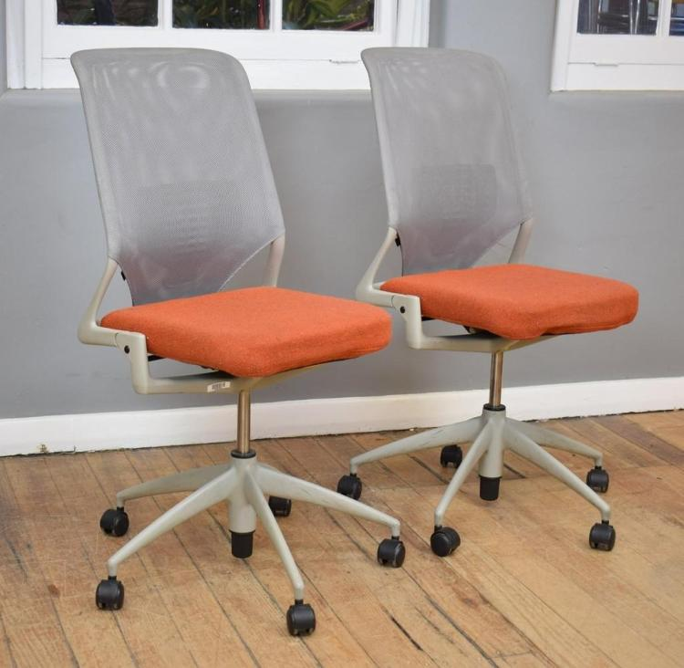 A PAIR OF GERMAN 'VITRA' OFFICE CHAIRS