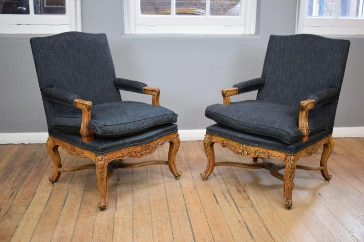 A PAIR OF FINE QUALITY LOUIS XV STYLE ARMCHAIRS - BRAND NEW