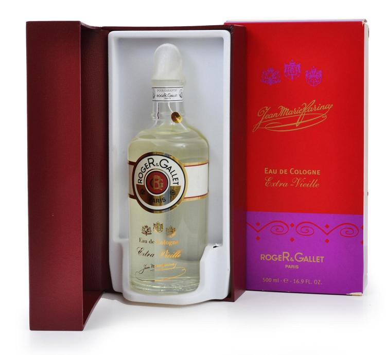 A BOTTLE OF EAU DE COLOGNE BY ROGER AND GALLET