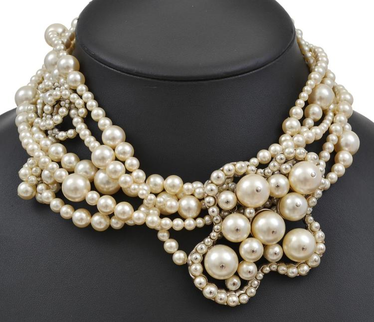 A FAUX PEARL CHOKER BY CHANEL