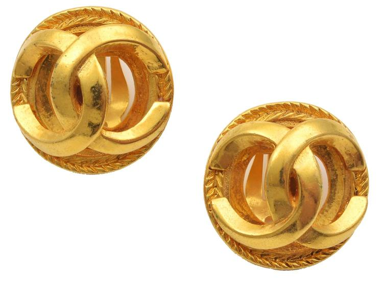 A PAIR OF COSTUME EARRINGS BY CHANEL