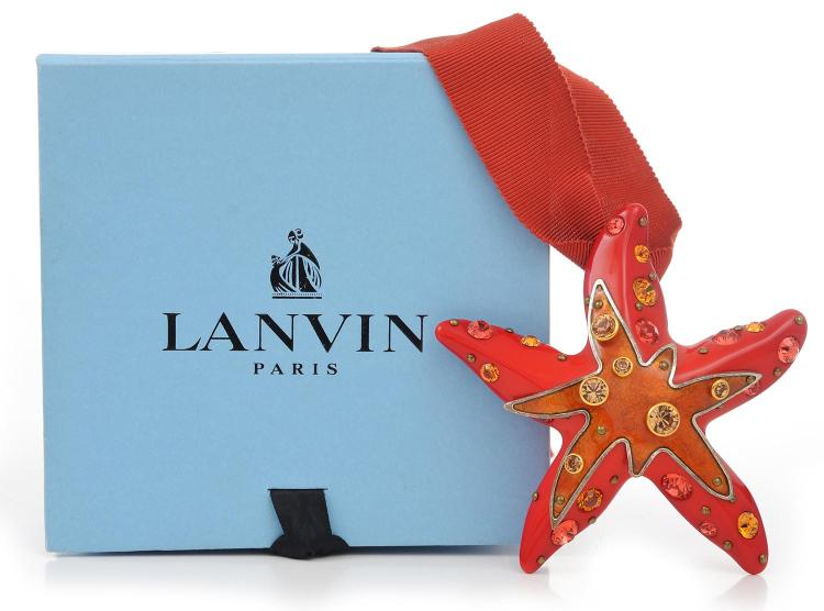 A NECKLACE BY LANVIN