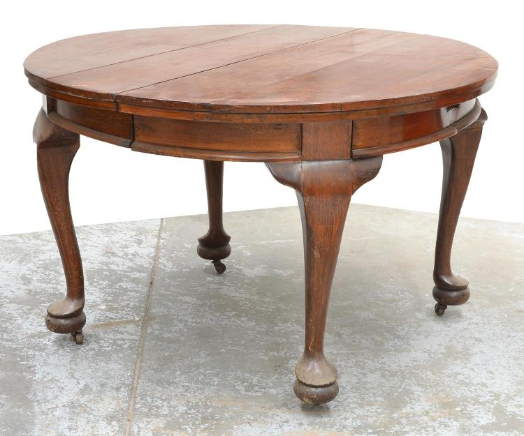 A QUEEN ANNE STYLE BLACKWOOD EXTENSION DINING TABLE WITH ON : H3018 L98243718 from www.invaluable.co.uk size 750 x 625 jpeg 64kB
