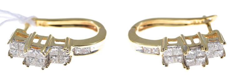 A PAIR OF PRINCESS CUT DIAMOND EARRINGS IN 18CT GOLD