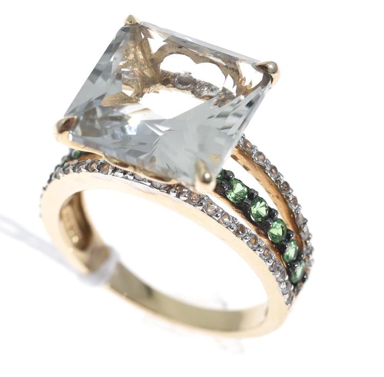 A PRASIOLITE, TSAVORITE GARNET AND DIAMOND DRESS RING IN 10CT GOLD