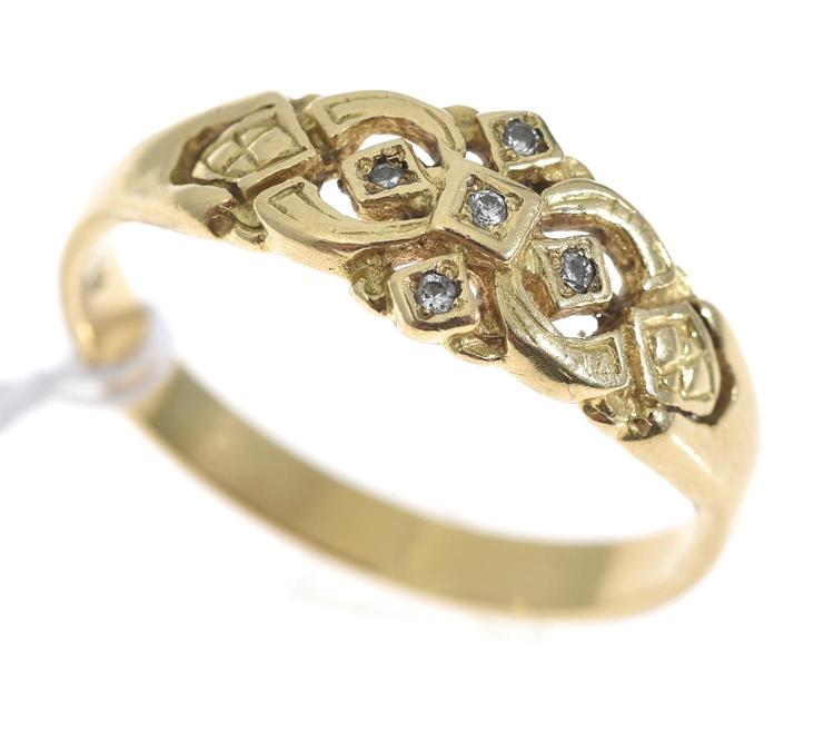 A DIAMOND SET DRESS RING, IN 18CT GOLD