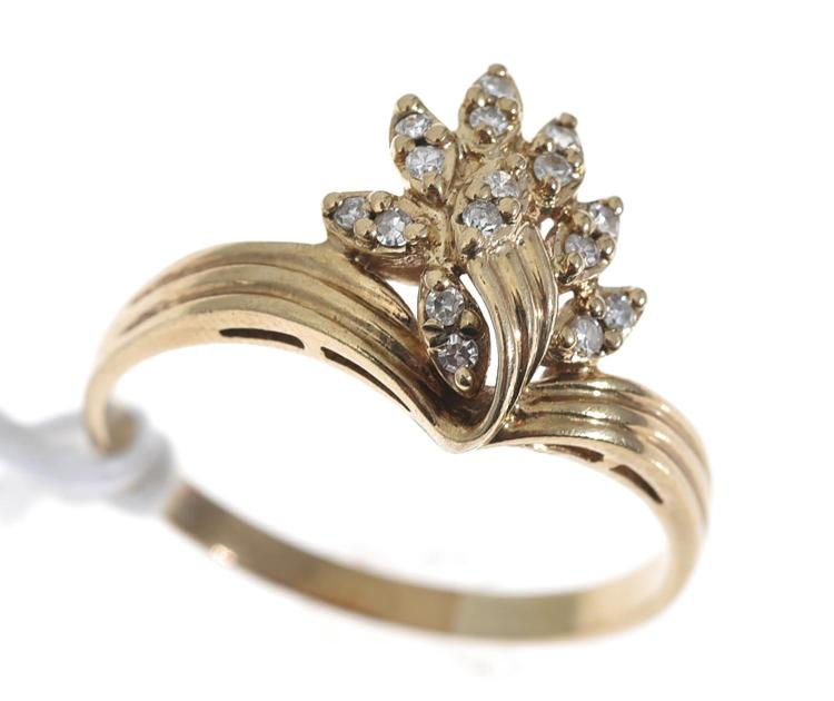 A MULTI DIAMOND SINGLE CUT DRESS RING, IN 9CT GOLD