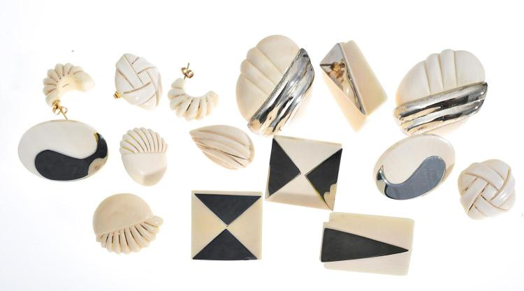 EIGHT PAIRS OF EARRINGS, FOUR IN SILVER AND FOUR WITH 14CT GOLD DETAIL