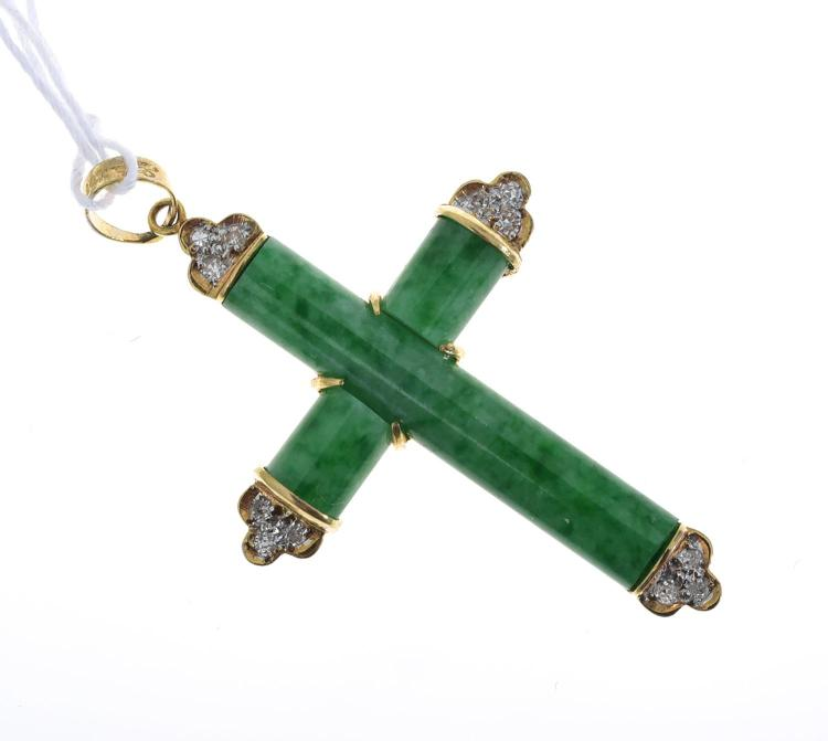 A JADE AND DIAMOND PENDANT IN 14CT GOLD