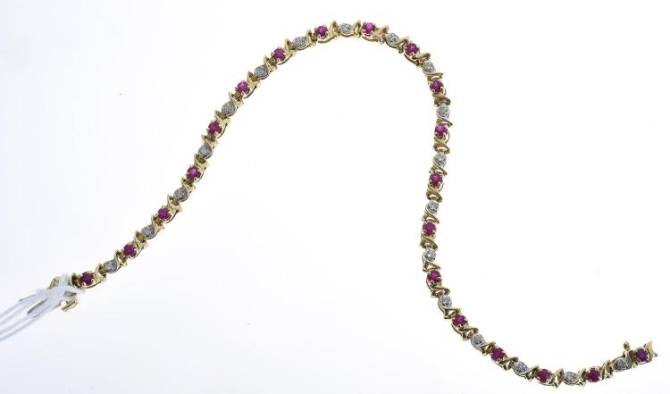 A RUBY AND DIAMOND BRACELET, RUBY TOTALLING 1.00CTS AND DIAMOND TOTALLING 0.20CTS, IN 10CT GOLD