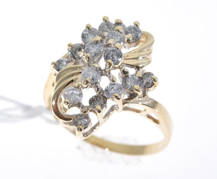 A FANCY DIAMOND CLUSTER RING, WITH DIAMONDS TOTALLING 1.00CTS MOUNTED IN 14CT GOLD