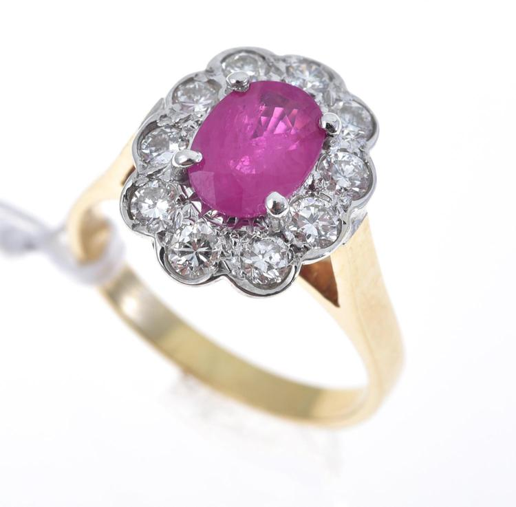 A BURMESE RUBY AND DIAMOND RING IN 18CT GOLD