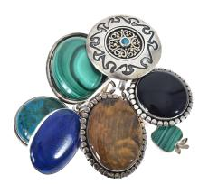 ASSORTED SILVER AND SEMI PRECIOUS STONE SET BROOCHES AND PENDANTS INCLUDING LAPIS LAZULI, MALACHITE, AMAZONITE, TIGERS EYE ETC