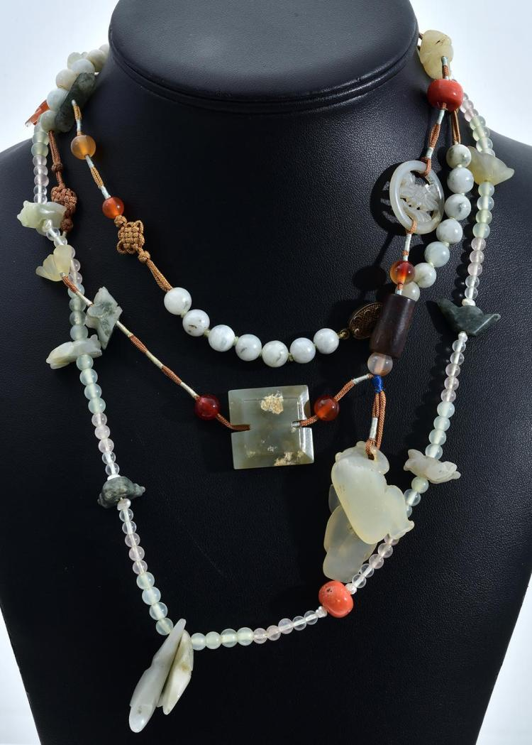 THREE ASSORTED NECKLACES INCLUDING JADEITE, QUARTZ, CORAL, PEARL ETC
