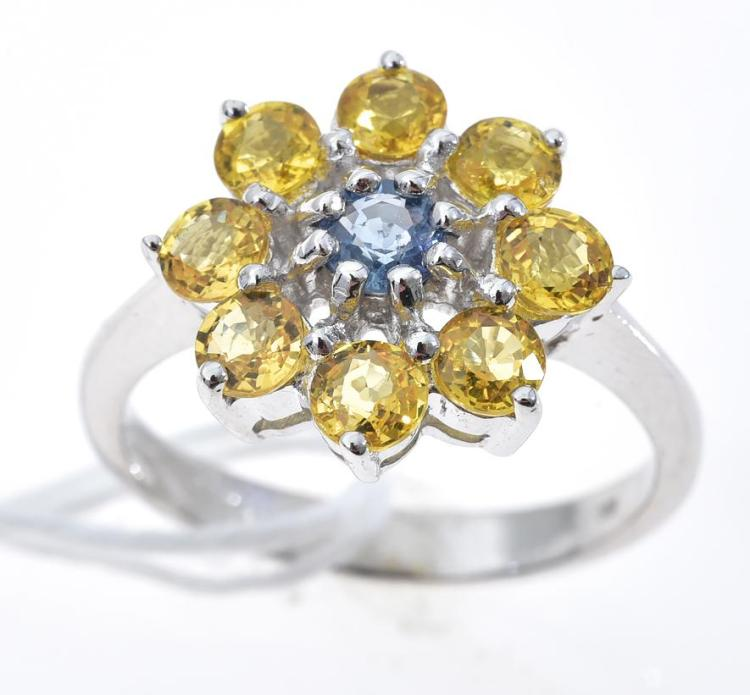 A BLUE AND YELLOW SAPPHIRE RING, SAPPHIRES WEIGHING APPROXIMATELY 1.73CTS, MOUNTED IN YELLOW GOLD