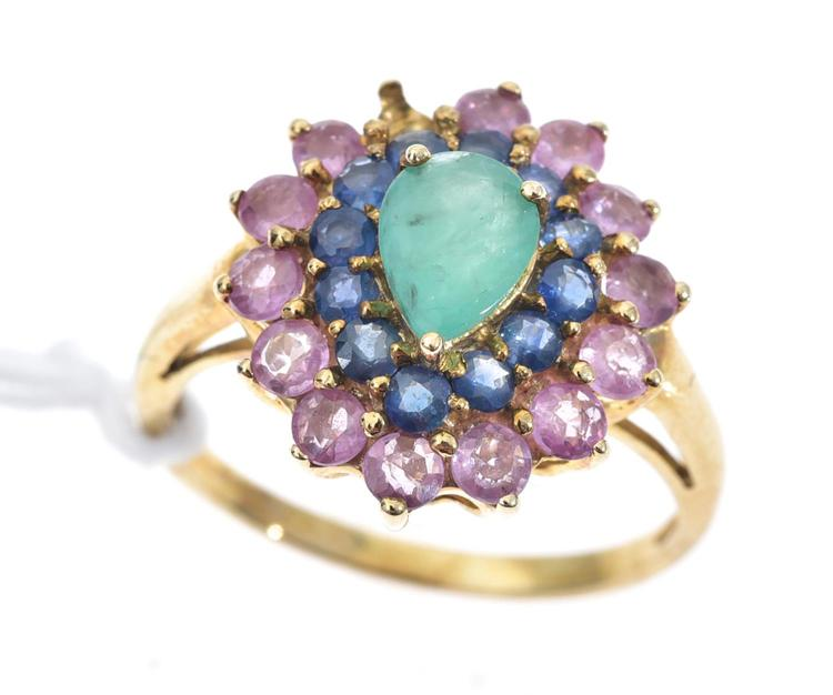 AN EMERALD AND SAPPHIRE RING MOUNTED IN 9CT GOLD A/F