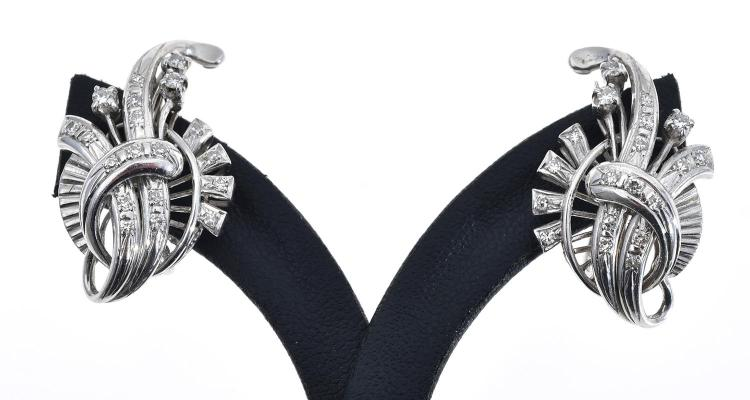 A PAIR OF 14CT GOLD AND DIAMOND EARRINGS