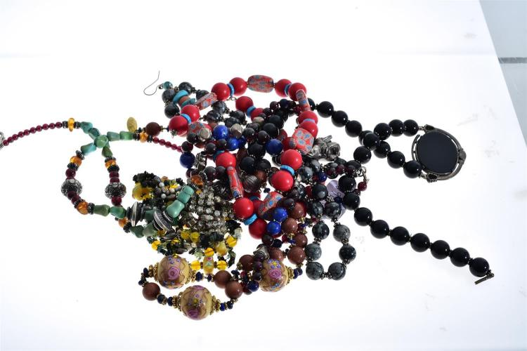 BAG OF ASSORTED NECKLACES INCLUDING TURQUOISE, VENETIAN GLASS, GOLD STONE, LAPIS LAZULI, SNOWFLAKE OBSIDIAN SILVER ETC.