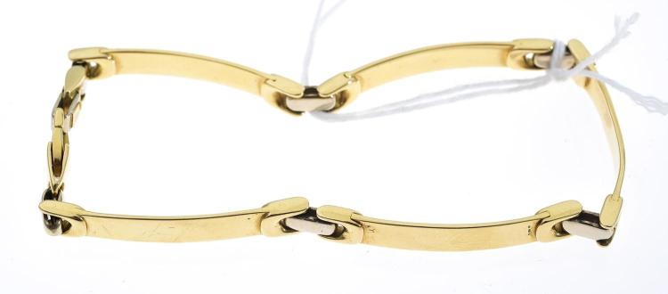 A FANCY LINK BRACELET IN 18CT GOLD