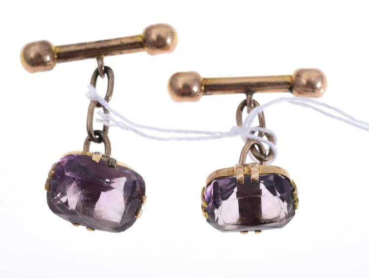 A PAIR OF AMETHYST CUFFLINKS IN GOLD