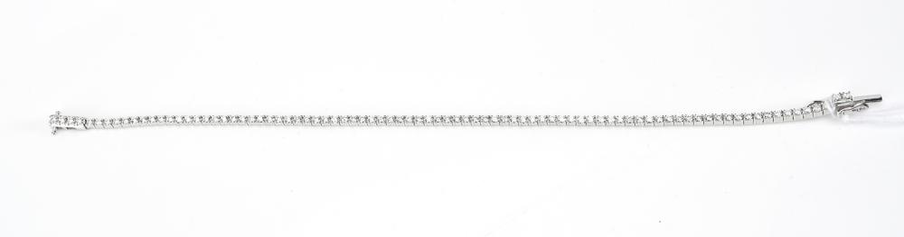 A DIAMOND LINE BRACELET TOTALLING APPROXIMATELY 1.54CTS, IN 18CT WHITE GOLD
