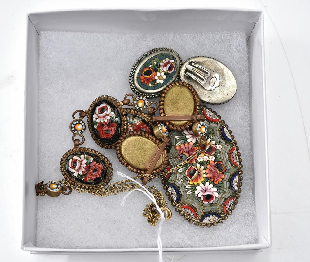 A MICRO MOSAIC JEWELLERY SUITE, COMPRISING OF A PAIR OF EARRINGS, A NECKLACE AND BROOCH
