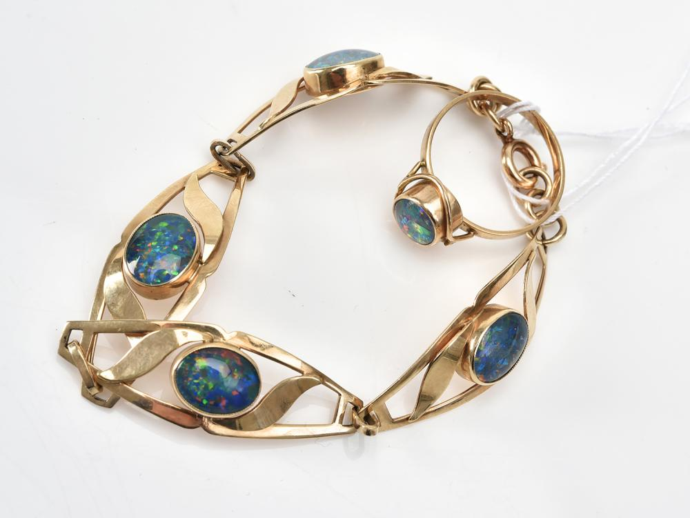 AN OPAL TRIPLET BRACELET AND RING IN 9CT GOLD