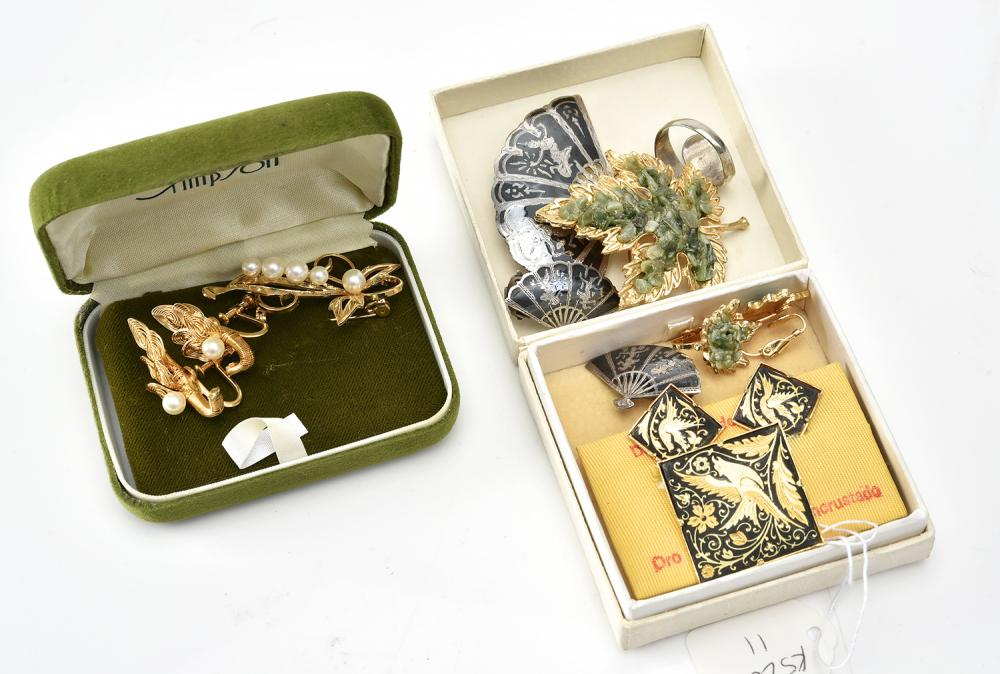 A COLLECTION OF JEWELLERY INCLUDING SIAM SILVER