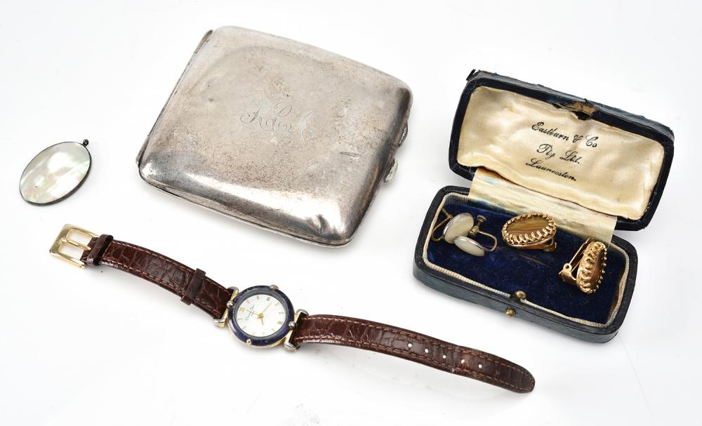 AN EPNS CIGARETTE CASE TOGETHER WITH ASSORTED JEWELLERY FINDINGS